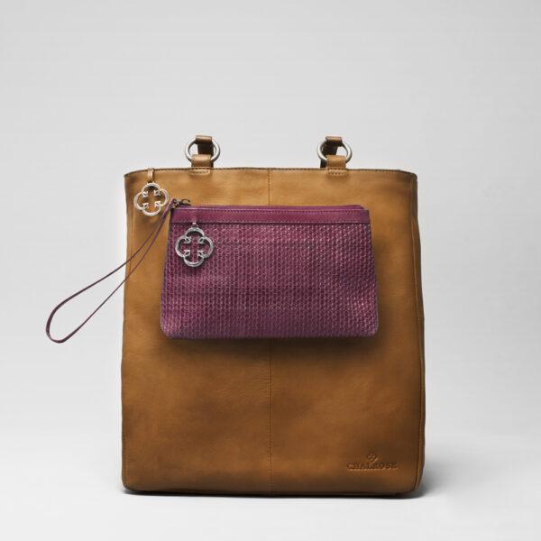 chalrose-clutch-bordeaux-back-shopper-camel