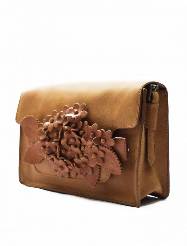piccolo camel tas met bouquet click in tan