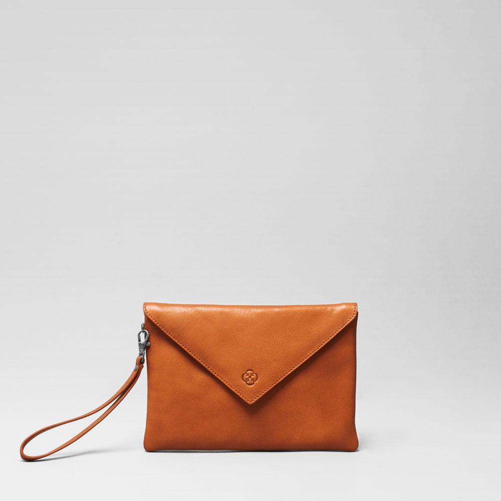 Envelop Clutch Tan