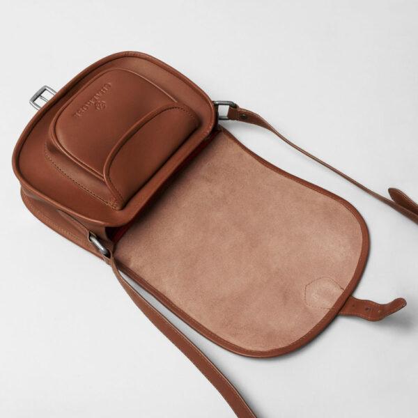 Round Flap Bag Cognac details
