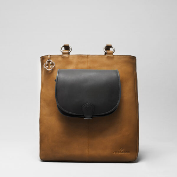Round Flap Bag Waxy Black - Back Shopper