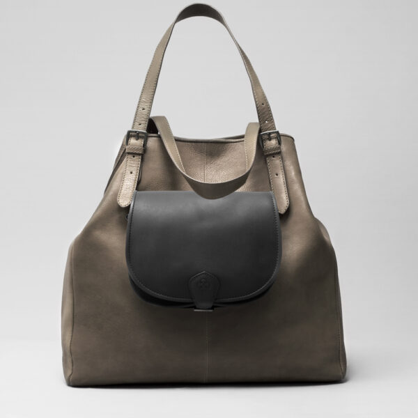 Round Flap Bag Waxy Black - Doppio Elephant Grey