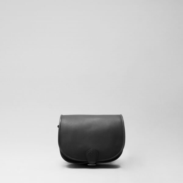 Round Flap Bag Waxy Black