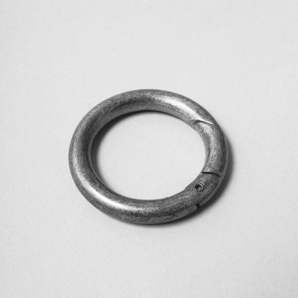 chalrose-back-shopper-ring-silver